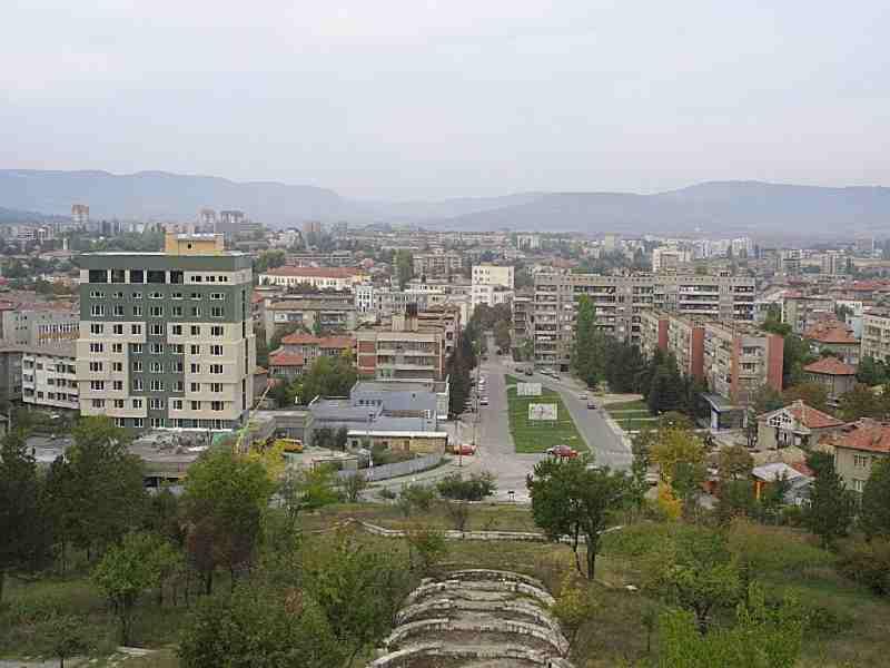 Панорама, изглед от Изток. 2000 г.